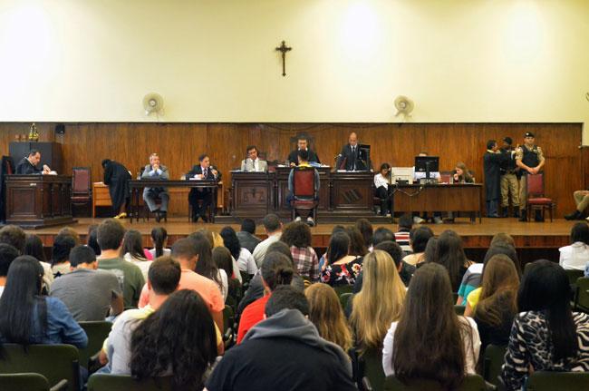 Julgamento começou às 8h desta quarta (Foto: Olavo Prazeres/18-05-16)