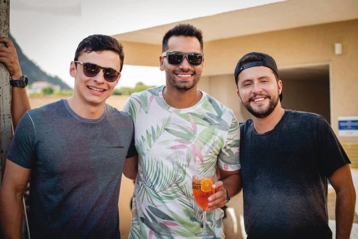 Também na tarde de festa, Rafael Tavares, Mateus Marchiote e Igor Amaral Foto: Sula Miana