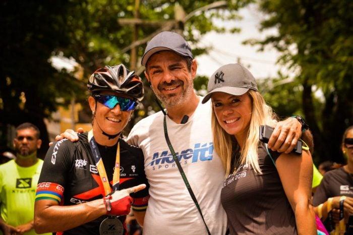 Roberta Stopa, Carlos Roberto Zanini e Mi Ravaiani clicados no XTerra, em Búzios (RJ) Foto: Bia Souza