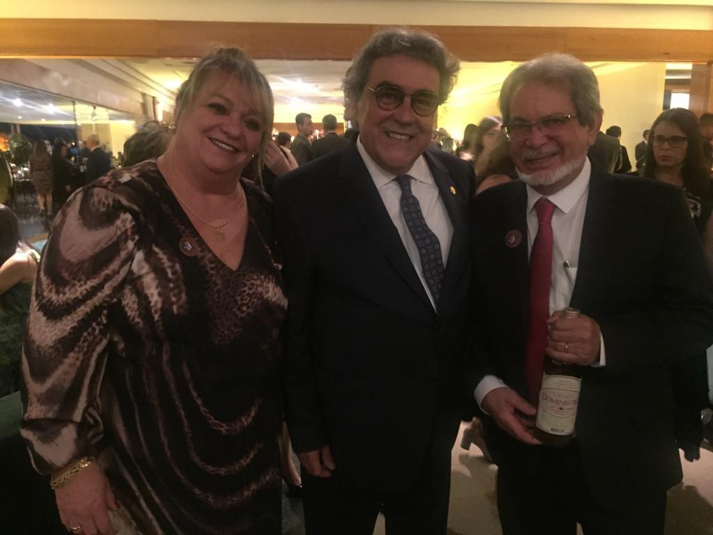 Ministro Correia de Veiga, ladeado por Vera e Winston