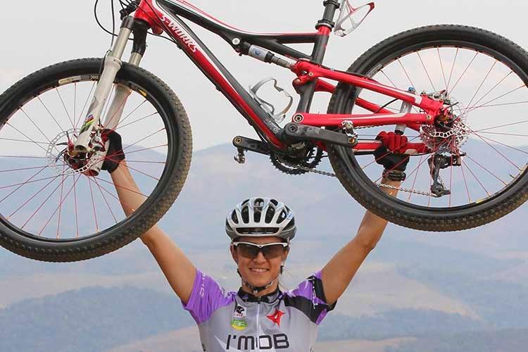 Imagem: Conheça a história da Roberta Stopa, referência nacional no mountain bike