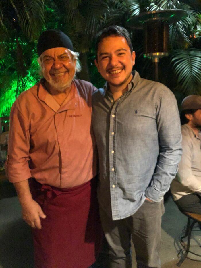 Os 'chefs' Paulinho Fratelli e Gabriel Bastos clicados no jantar italiano do Raízes