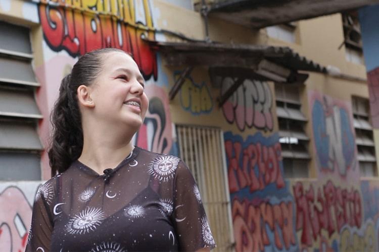 Imagem: Conheça Juh Santos, vencedora do Slam Interescolar Nacional