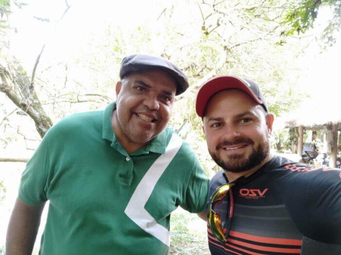 José Eduardo Modesto e Léo Modesto clicados nas Fazendinhas do Belo Vale