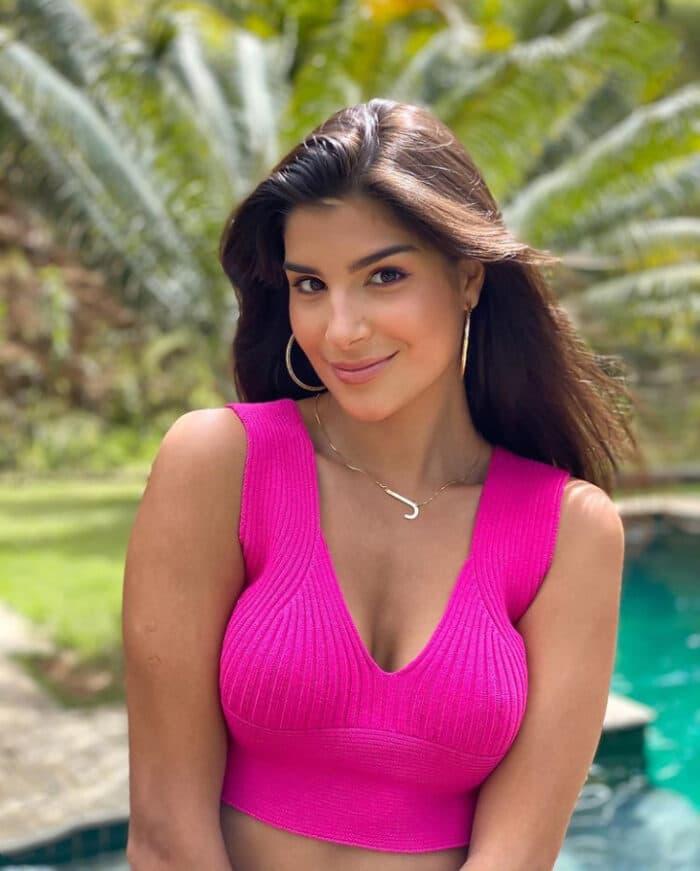 A bela e elegante Júlia Horta é a aniversariante de destaque hoje. Aliás, foram um sucesso as 'lives' que a ex-Miss Brasil realizou para celebrar o mês da mulher