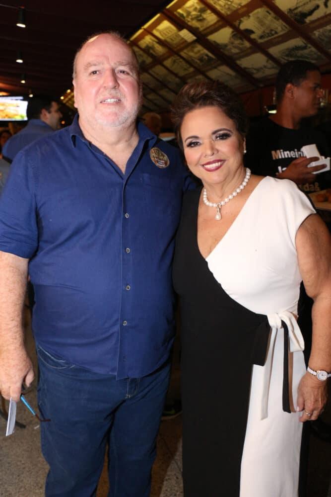 Sérgio e Cristina Alves, que comandam ao lado da filha Bárbara o famoso Procopão, antes da pandemia