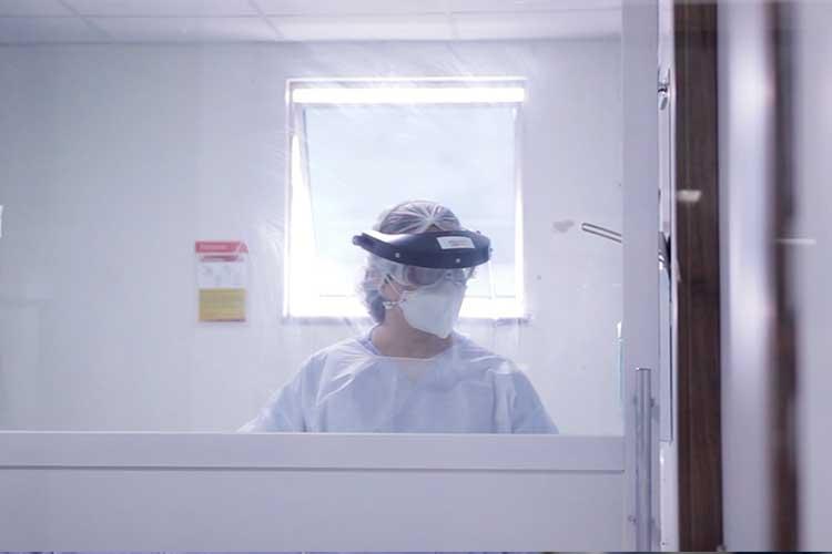 Imagem: Médica fala sobre rotina intensa nos leitos de CTI Covid