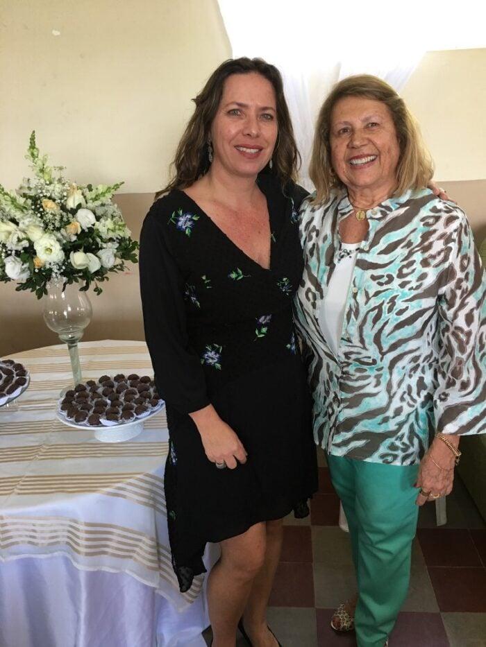 Márcia Teixeira com Lygia Toledo, que comemora aniversário hoje