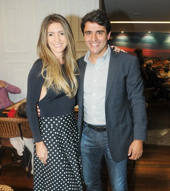 Nívea Muller (aniversariante desta quarta-feira) e Valério Ribeiro, antes da pandemia Foto: Andréa Ottoni