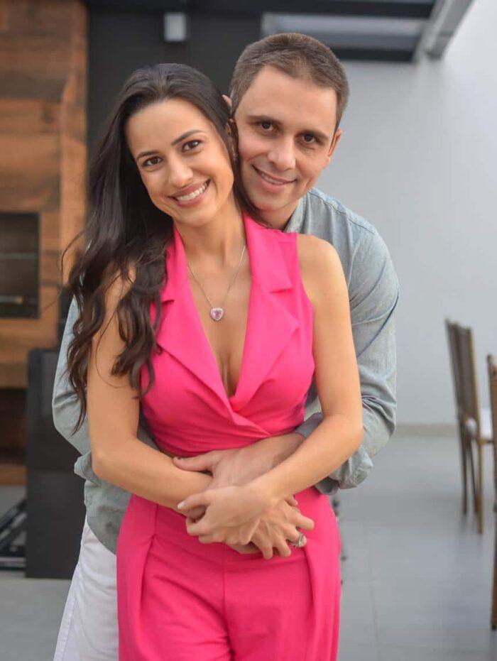 Stefani Faro e Daniel Reis em comemoração familiar Foto: Brendha Torres