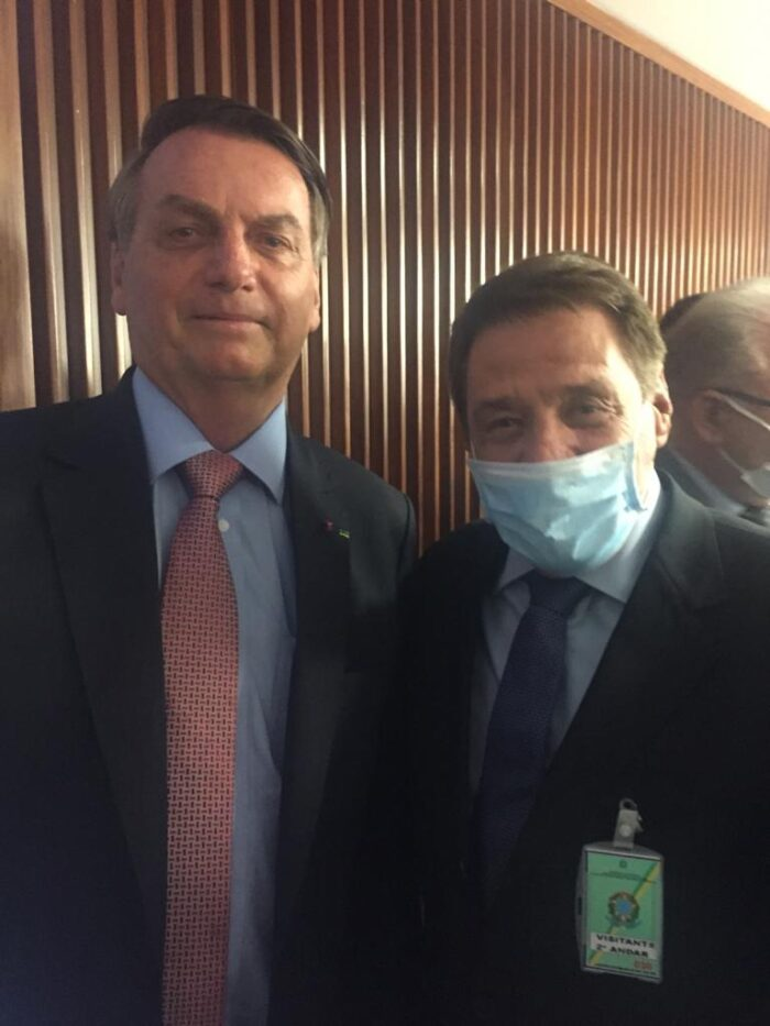 O presidente Jair Bolsonaro e o presidente da Santa Casa, Renato Loures em recente encontro no Palácio do Planalto