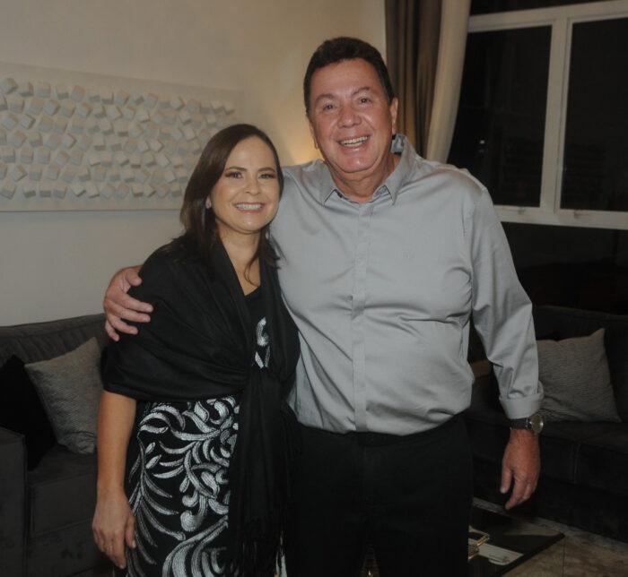 Gisele e Roberto Azevedo, na comemoração do aniversário dele, na região do Aeroporto Foto: Andréa Ottoni