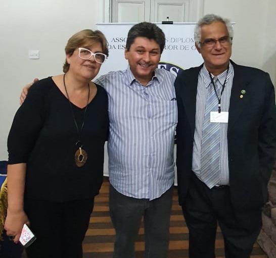 Rosany Quelotti, o palestrante Ricardo Francisco e o delegado da Adesg, Mauro Eduardo Barbosa Leite